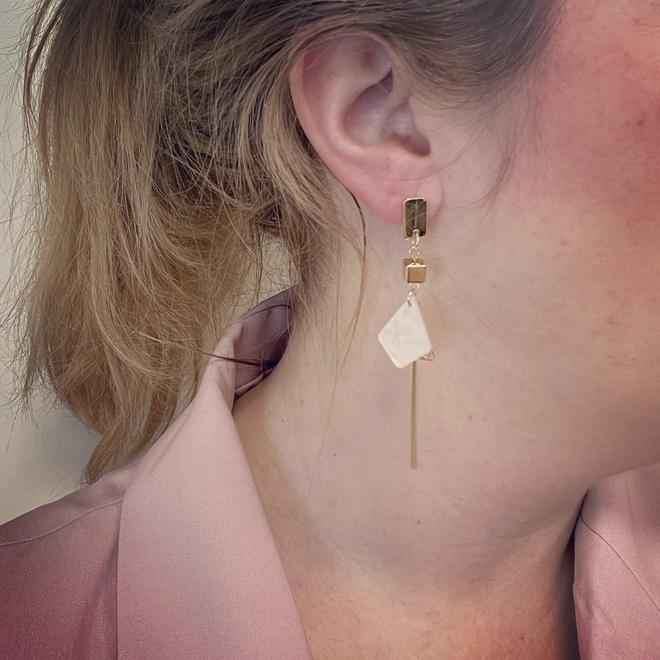 Noya Oorbellen Crème / Goud | Marble / Bijoux | Fashion Favorite