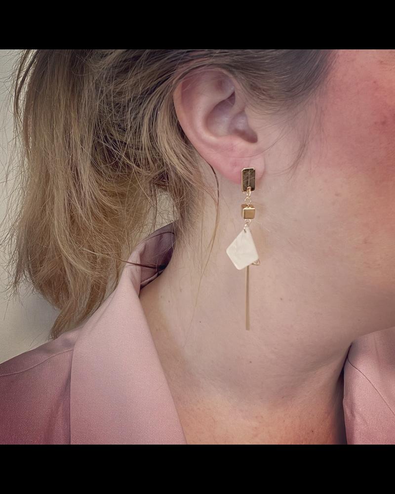 Fashion Favorite Noya Oorbellen Crème / Goud | Marble / Bijoux | Fashion Favorite