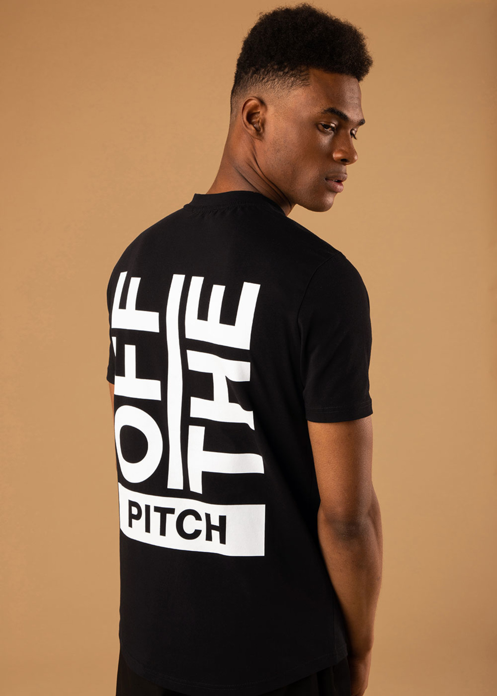 OFF THE PITCH The Saturn Slim Fit Tee - Black