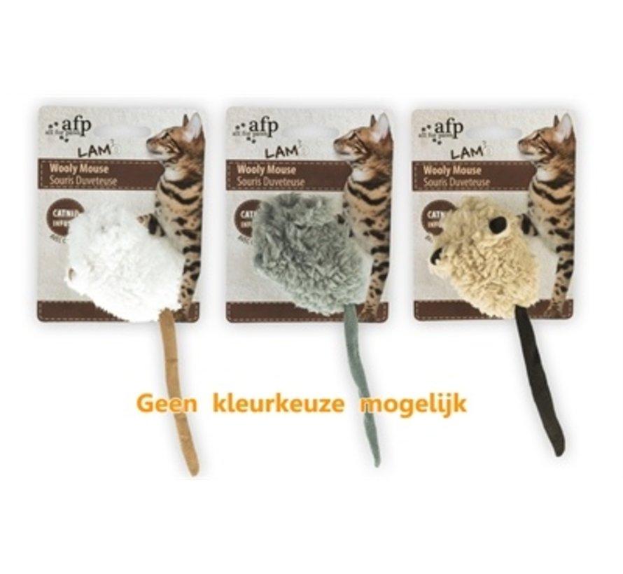 Afp wooly mouse lamswol met piep en catnip assorti