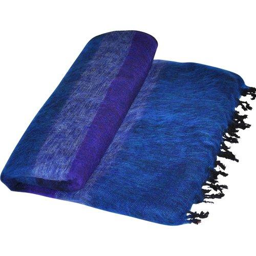 Dieses schöne Jeansblau gestreifte decke ist handgefertigd in Nepal. Warm   Weich   sticht nicht   Tolle Farbe