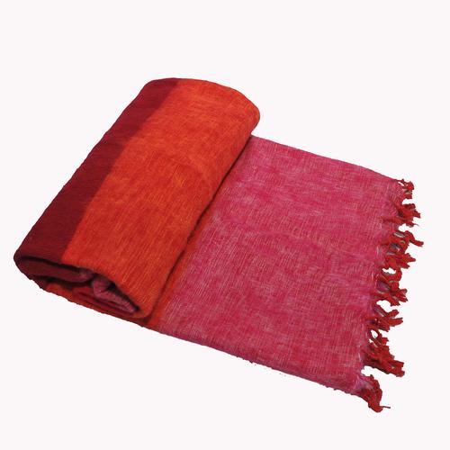 Dieses schöne Rosa Orange gestreifte decke ist handgefertigd in Nepal. Warm | Weich | sticht nicht | Perfekt für das Sofa