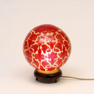 Schöne Rote Tischlampe oder Stehlampe