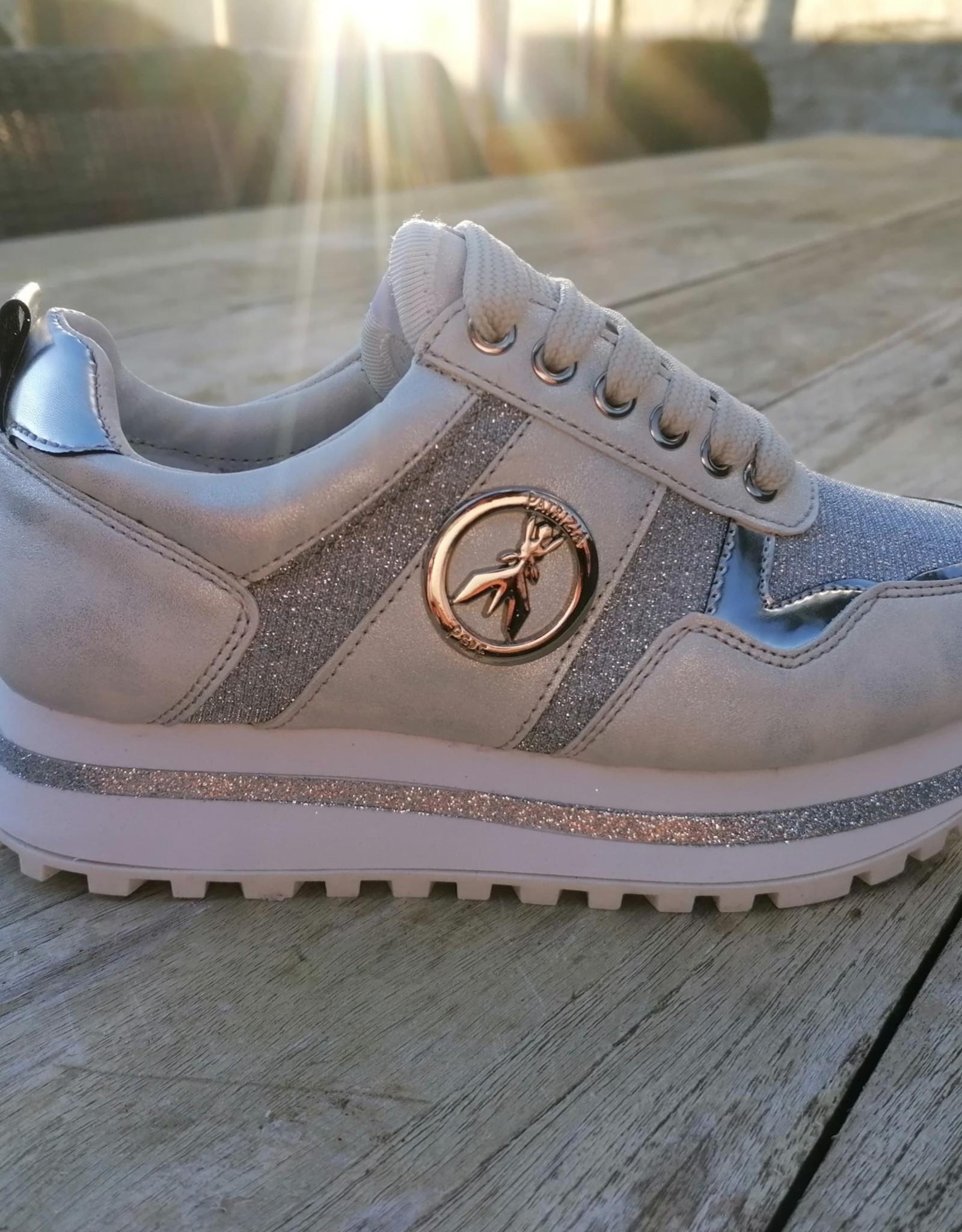 Patrizia Pepe Patrizia Pépé sneaker in zilvertinten hoge zool