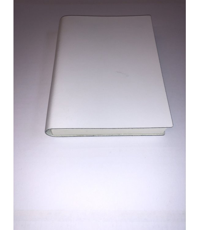 Pinetti notebook 12x16.5cm  Smooth leather White