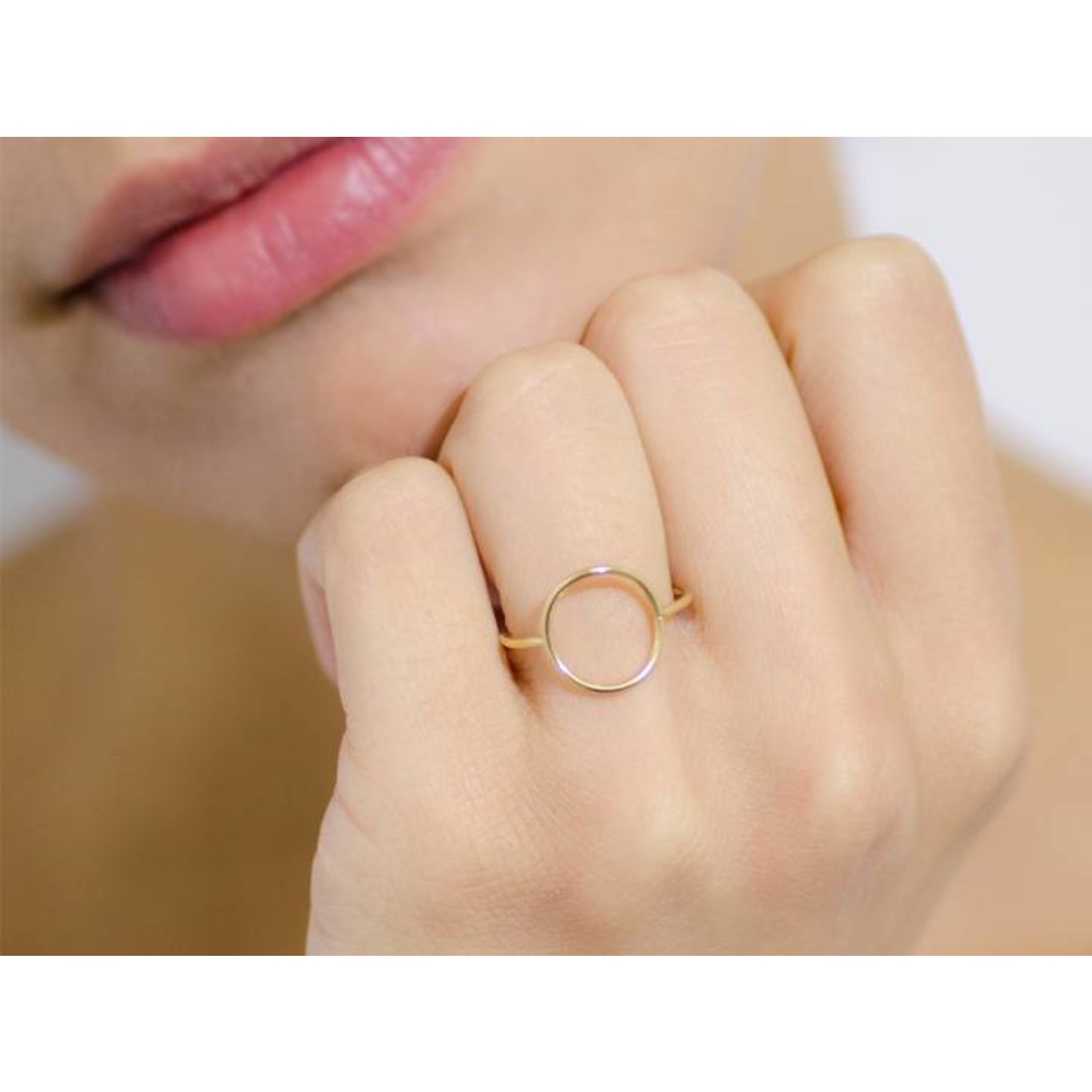 charlotte wooning ring geometry circle - zilver