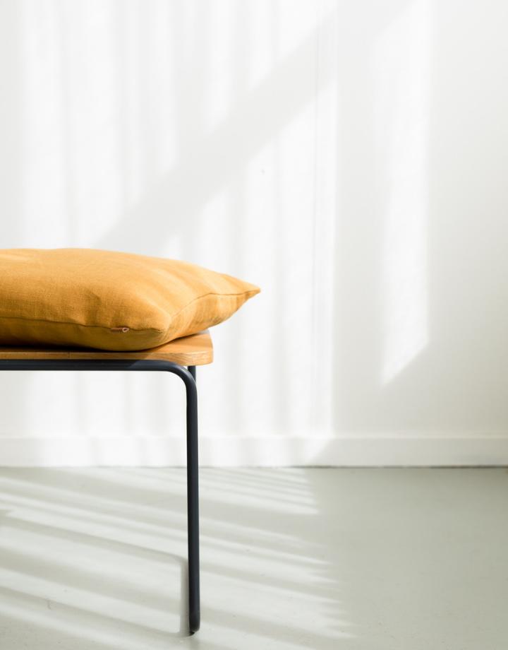 coisa cushion - honey