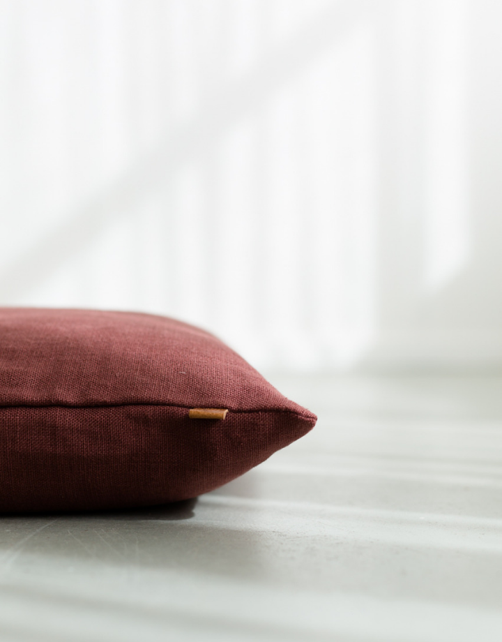 coisa coisa cushion - wine red