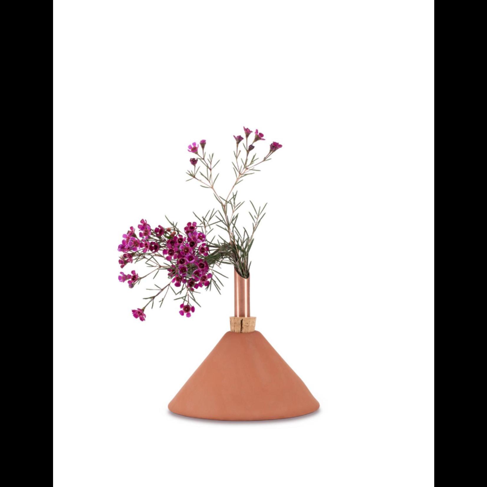 scandinavia form scandinavia form consilium vase - terracotta large
