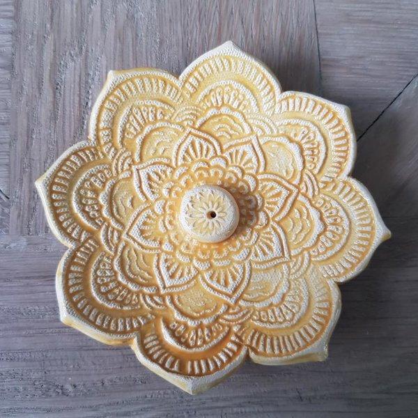 Jolanda Nabben Wierookhouder Lotusbloem Geel ingewassen