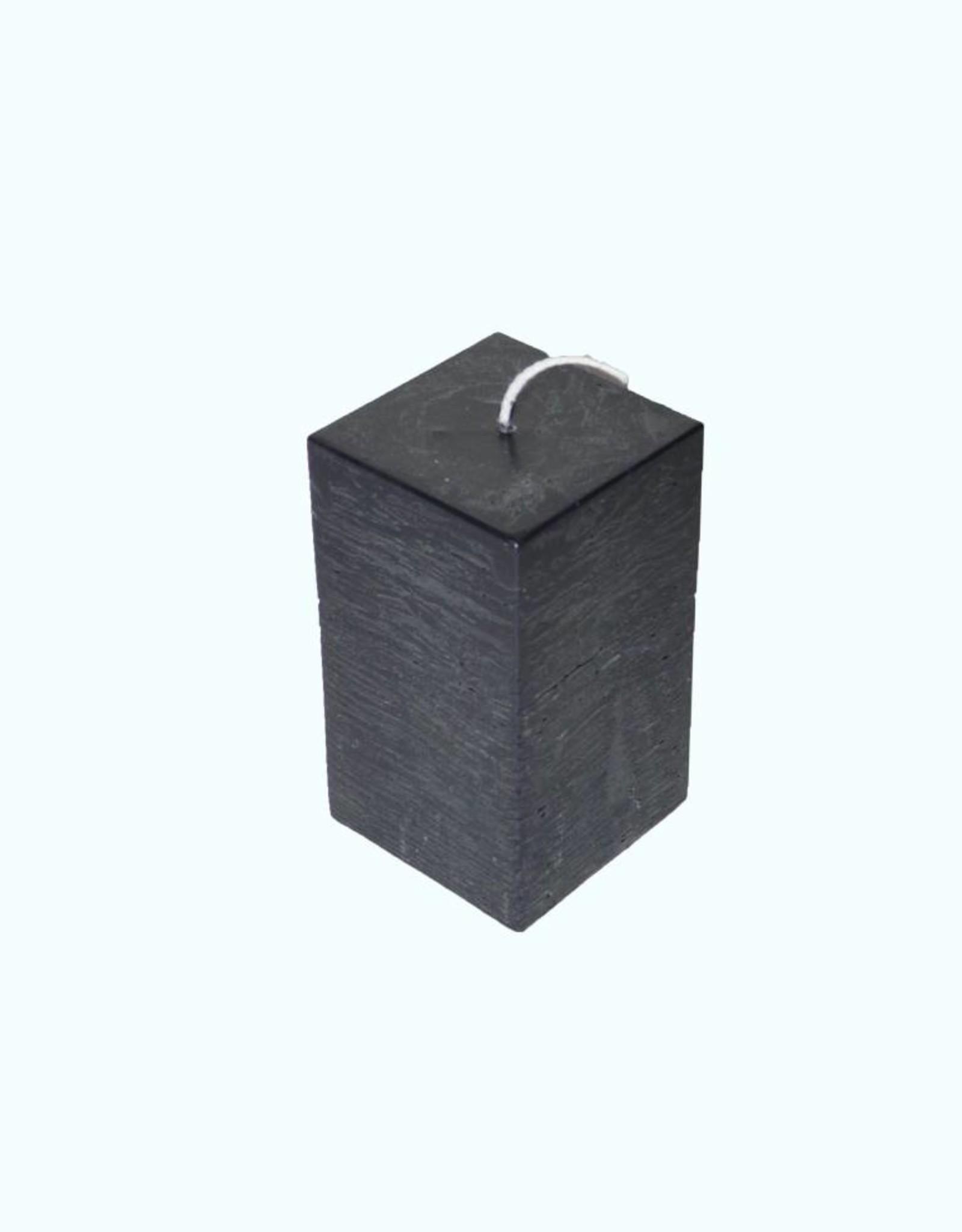 Zwarte vierkante kaars met rustique uitstraling