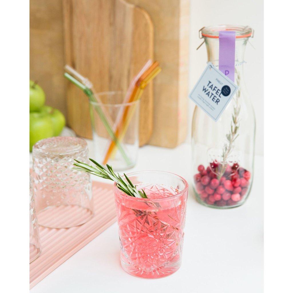 Pineut Tafelwater kers cranberry rozemarijne