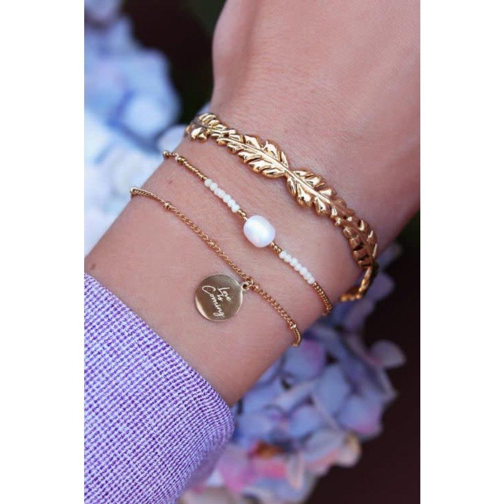 My Jewellery Armband love is coming goud