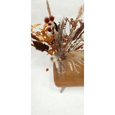 Boeket droogbloemen: bruin, oranje, roest, beige