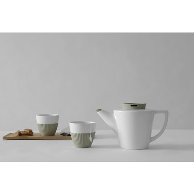 Viva Infusion™ Porcelain Tea Set.