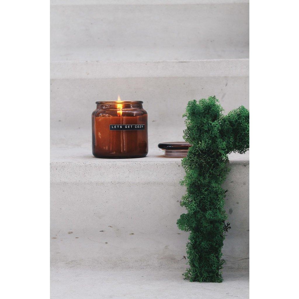 Wellmark Geurkaars  bruin glas- cedarwood - 'Let's get cozy'