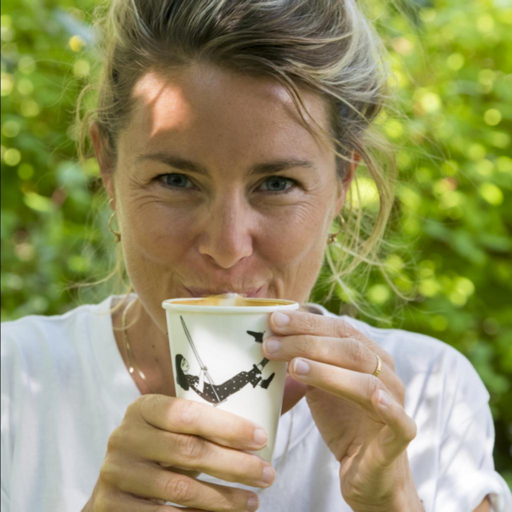 HelenB Beker | Swinging Erika