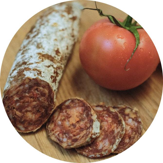 Salami met zongedroogde tomaten
