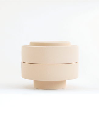 Ania Ania Sand Colored Dish with lid Karen