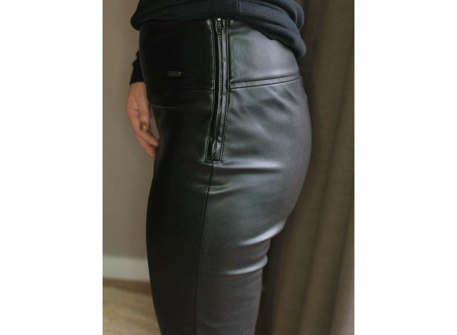 Norma Jenna Leather Black