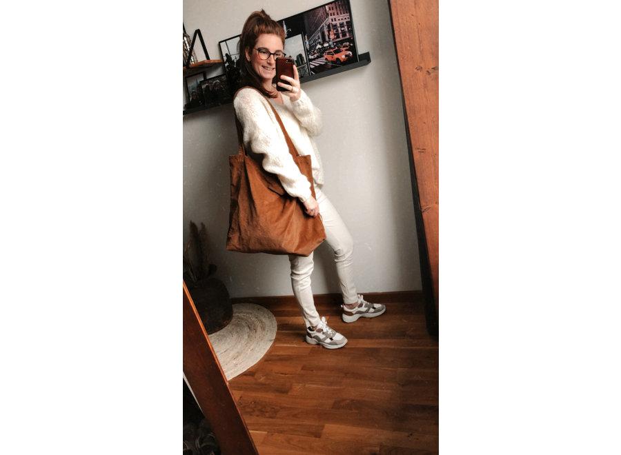 Bruine mom-bag ribstof
