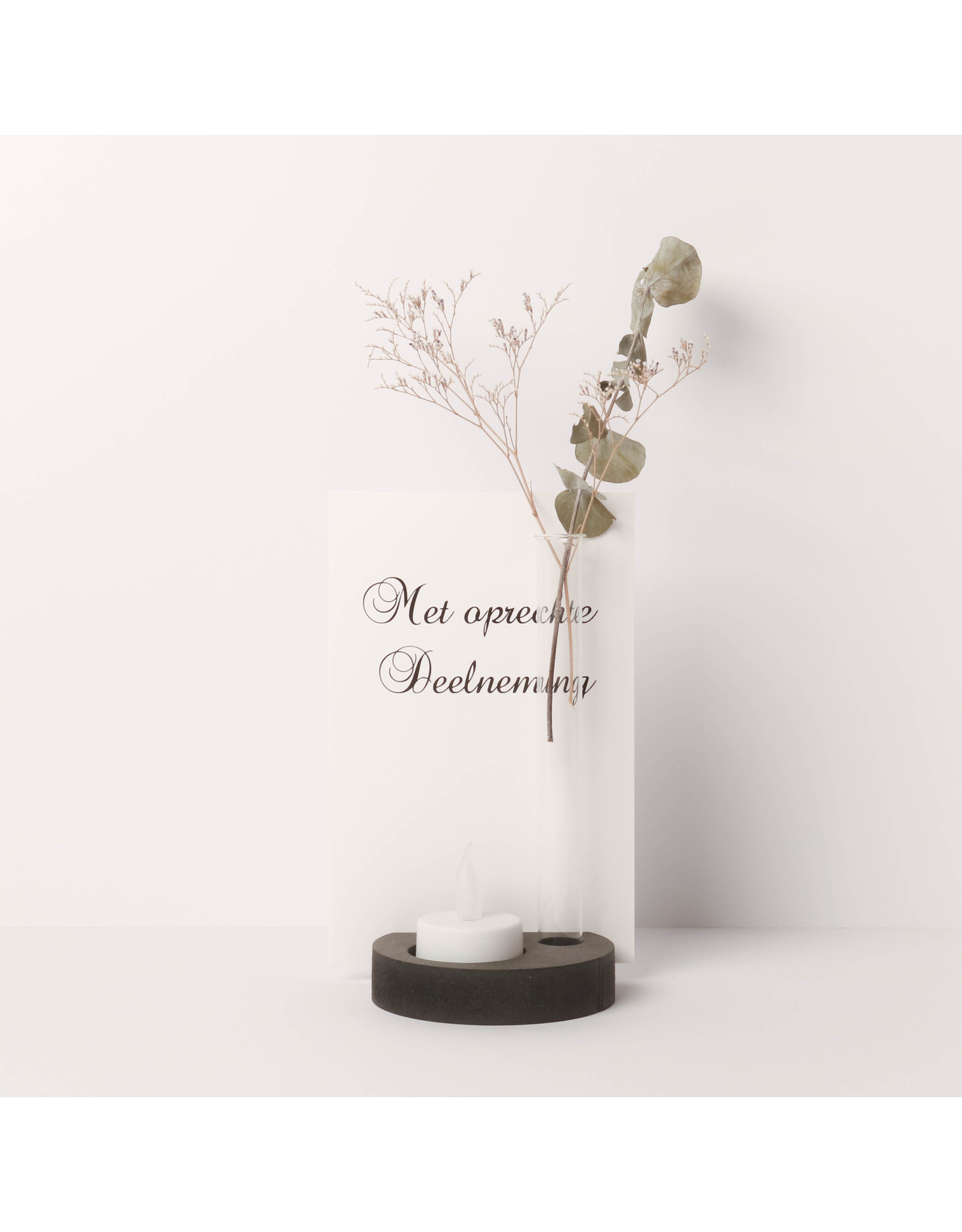 By WOOM     Card, candle and vase holder