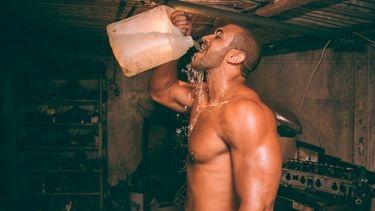 Droog trainen - Hoeveel liter water drinken op een dag