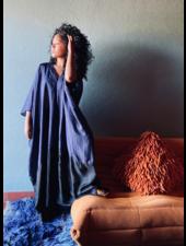 The Rose for Los Enamorados Kaftan - Midnight Blue/Black