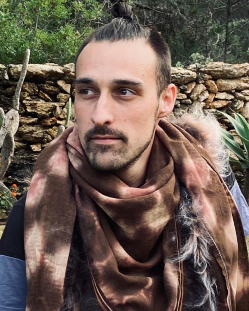 Izuskan for Los Enamorados Brown/Pink Tie and dye scarf