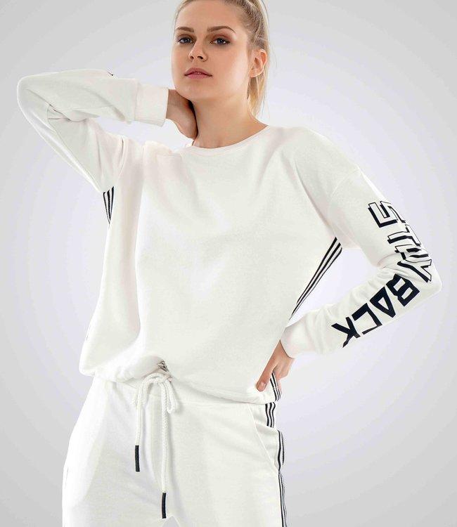 Dames Sweater J7310 met print STAYBACK