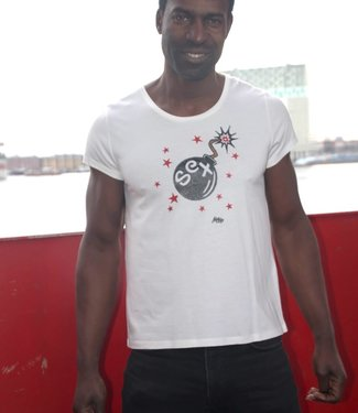 "T-shirt- Unisex ""S*XBOM SMALL"" Off White"