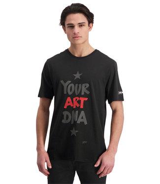 """T-shirt """"YOUR ART DNA"""" Zwart"""