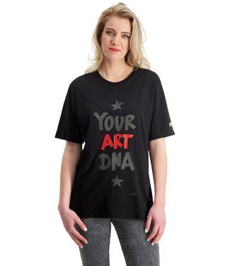 "T-shirt- Unisex ""YOUR ART DNA"" Zwart  LARGE FIT"