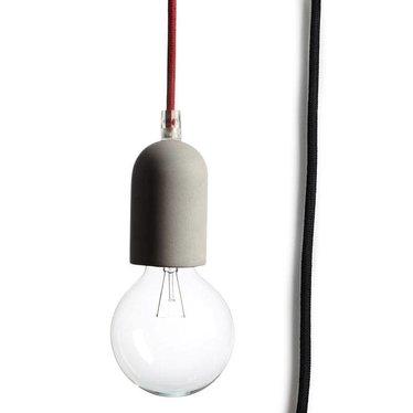Tove Adman E27 lampje beton met zwart textielsnoer