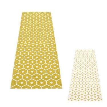 Pappelina Narrow plastic rug Honey - LAST ITEM