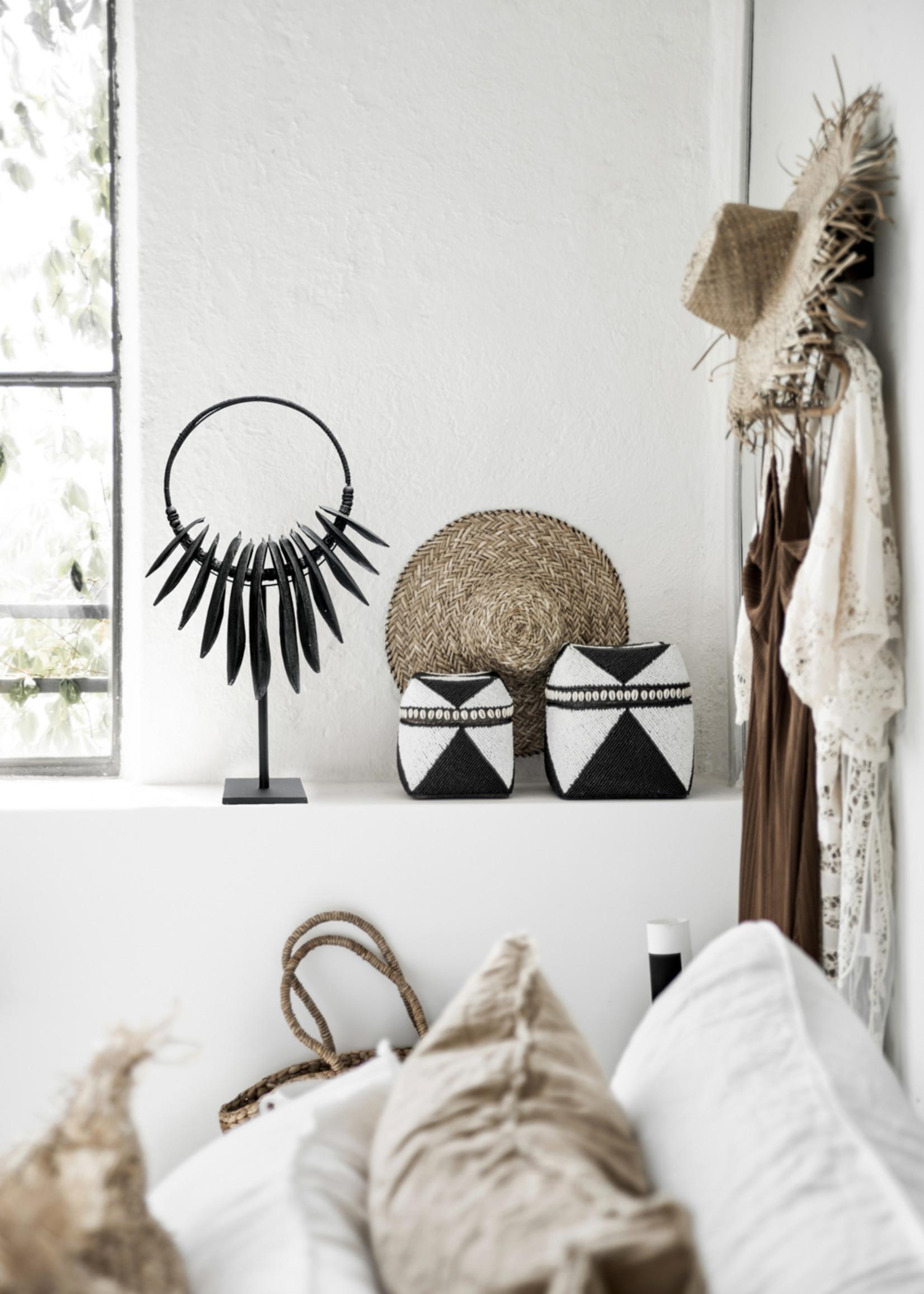 The Beaded Basket Cowrie Diamond High - Black White - L