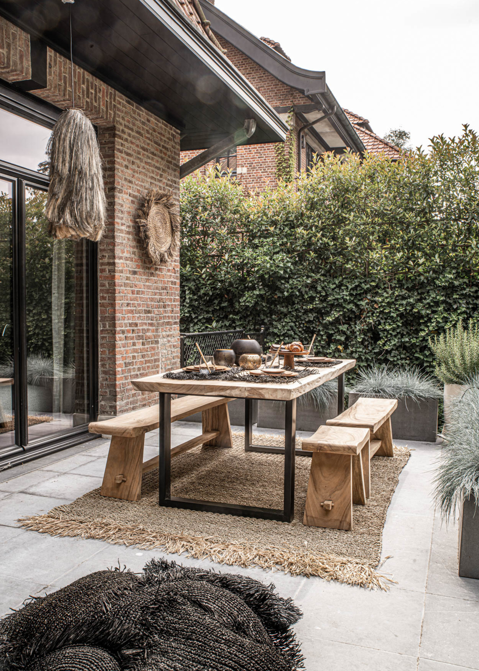 The Suar Dining Table - Natural