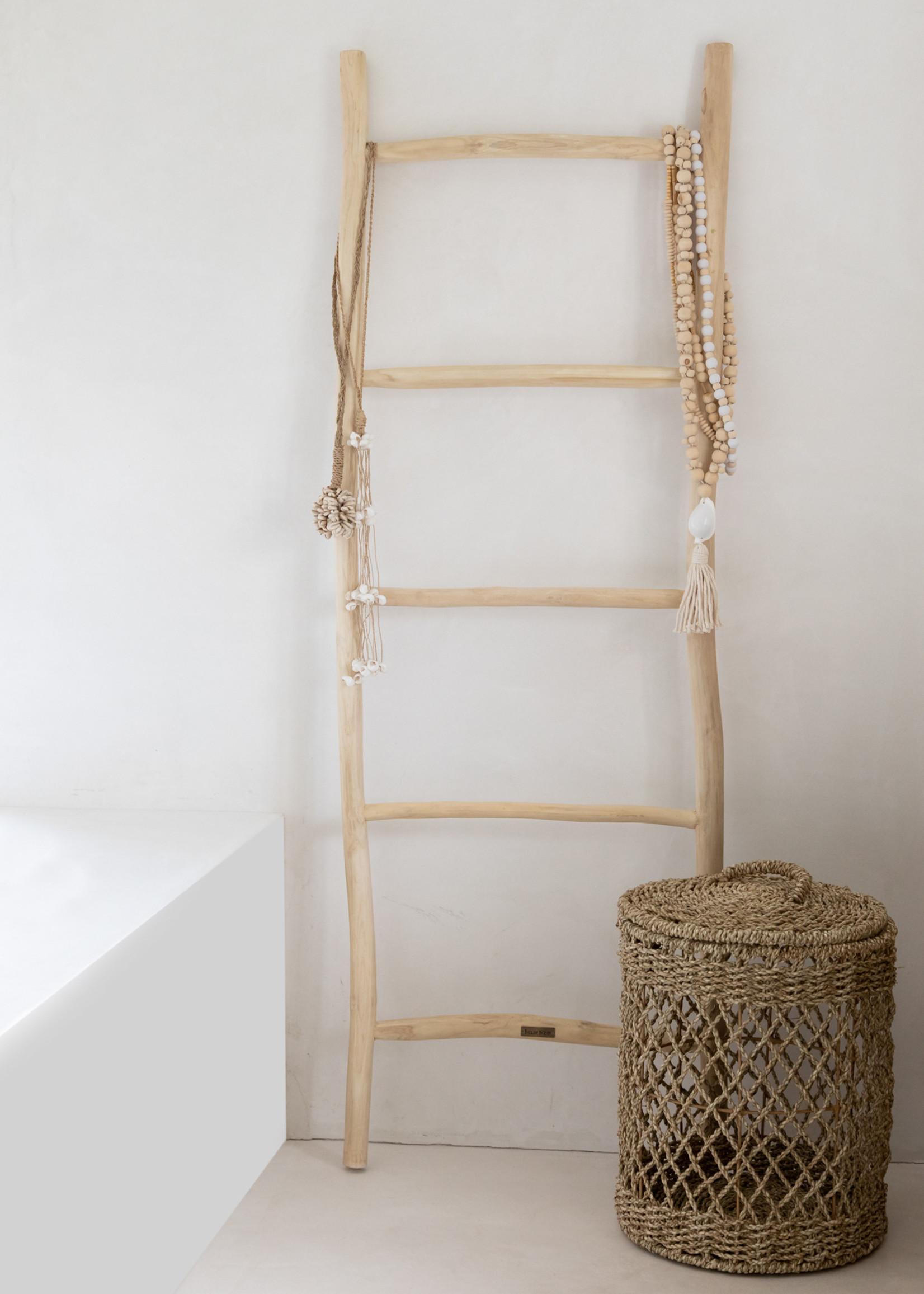 The Kubu Necklace - Natural White