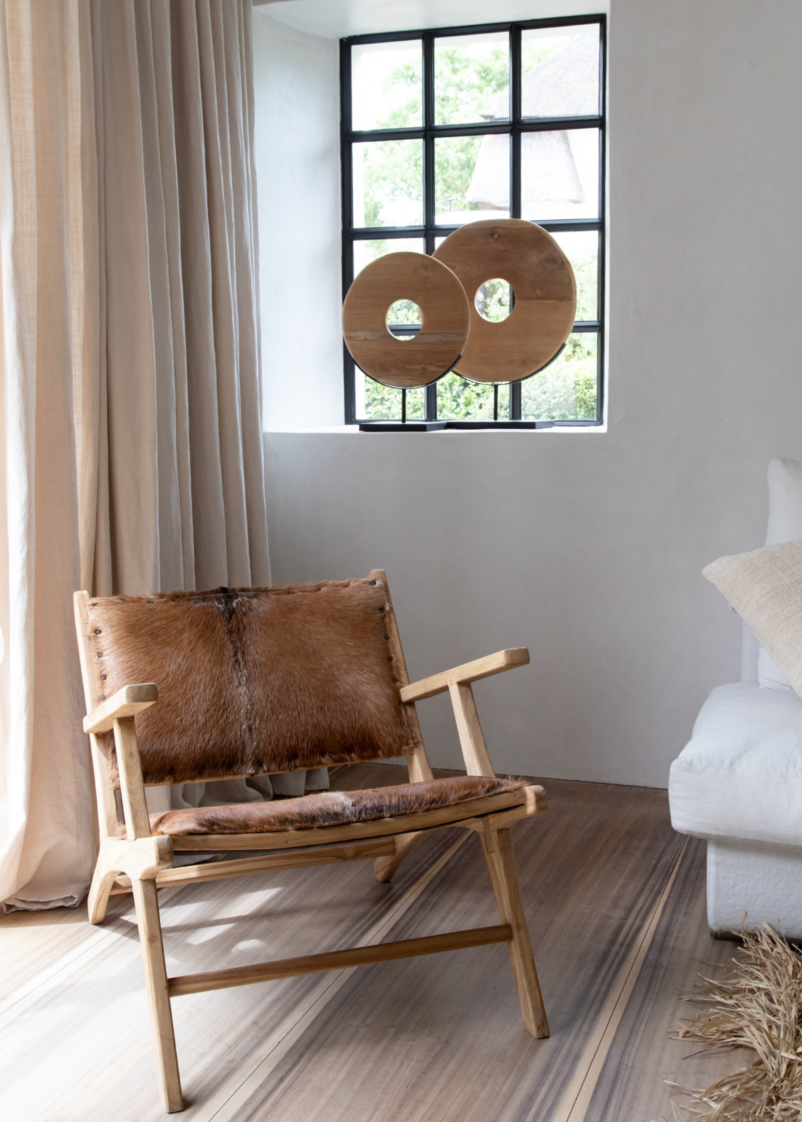 The Teak Disc on Stand - Natural - L