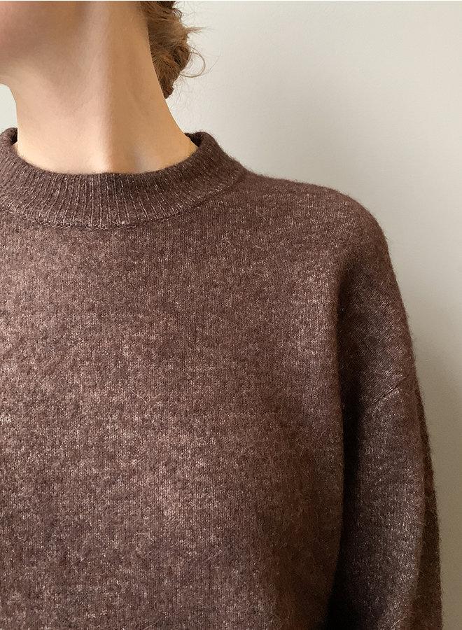 Anour o-neck bruin