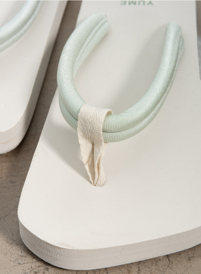 Xicy sandals coconut/lily