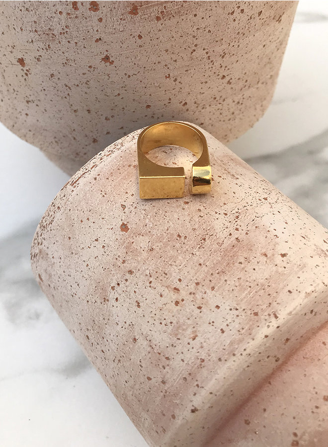 KR11 ring gold plated