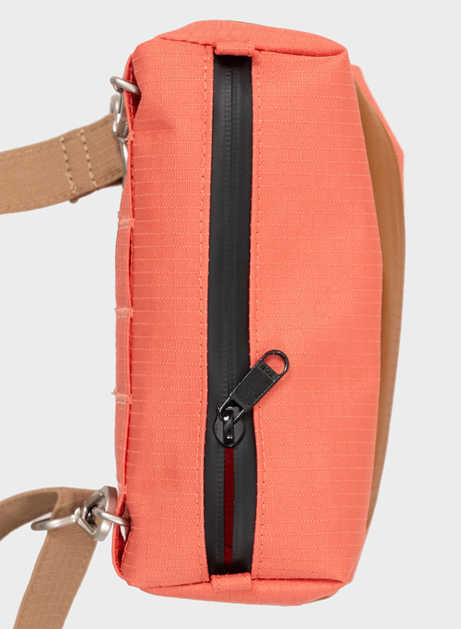 Bum bag S salmon & sample