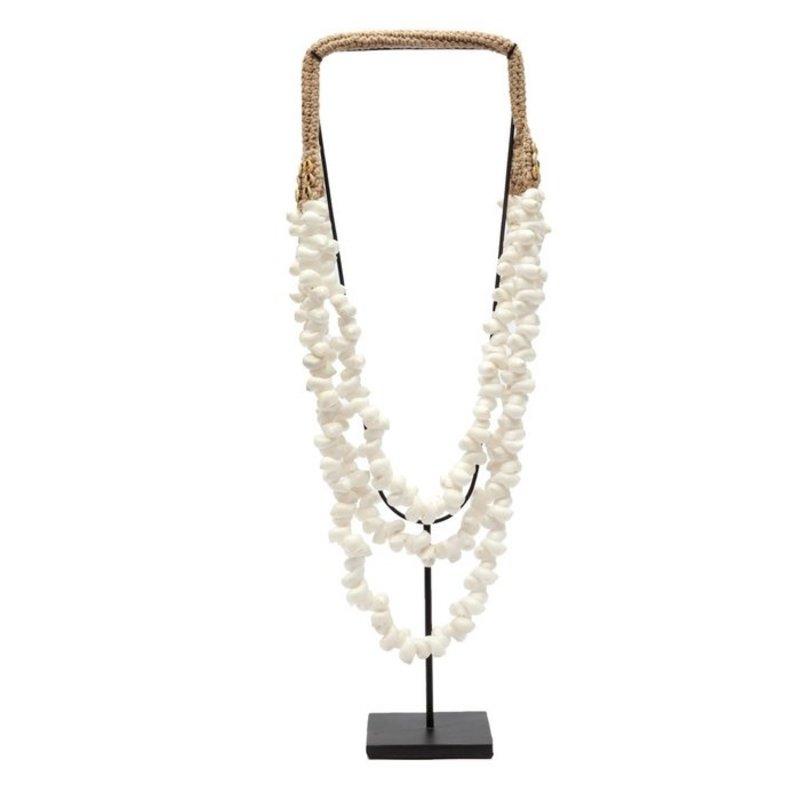 Bazar Bizar The White Coastal Shell Necklace on Stand