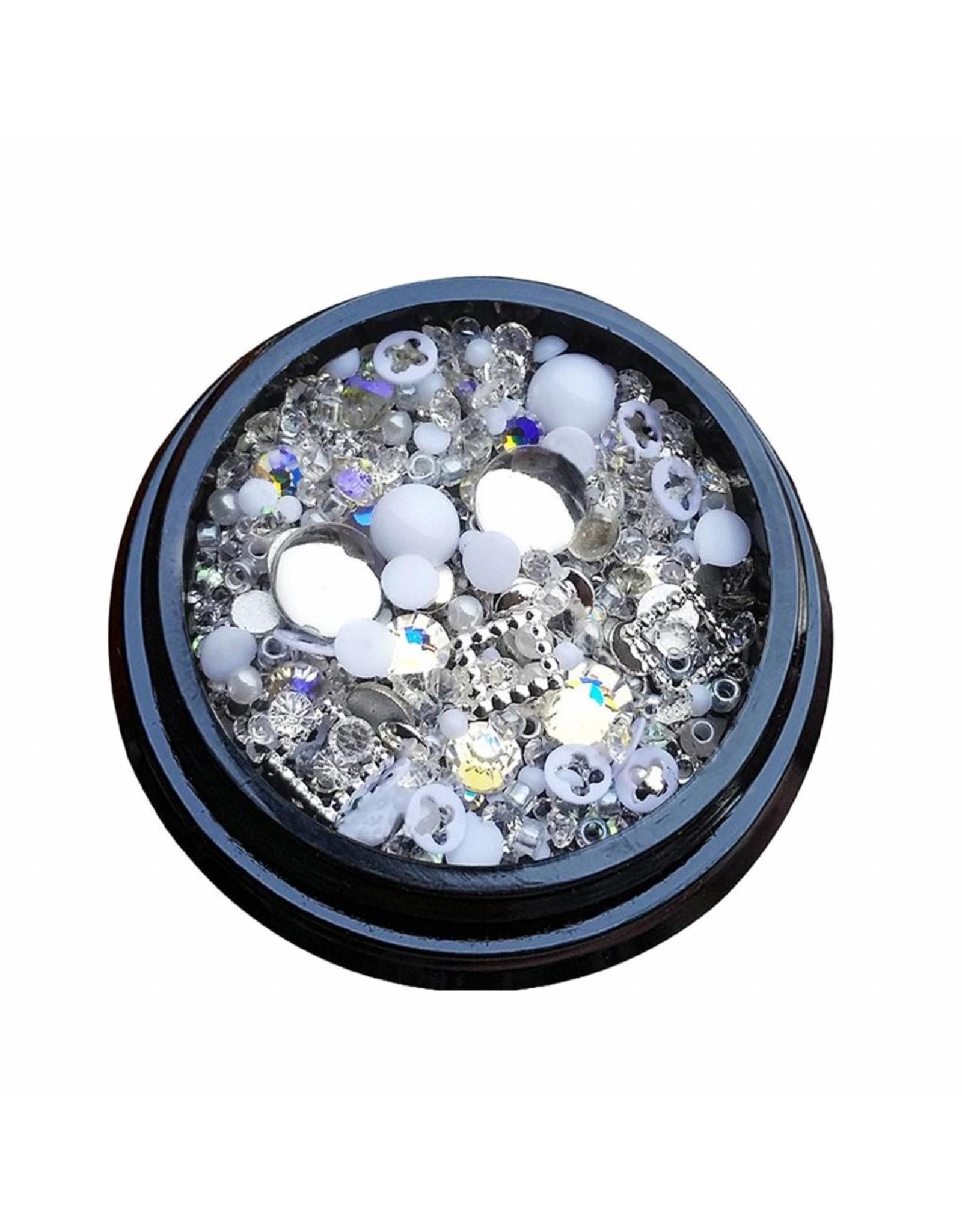 Merkloos 3D Mix of luxurious jewelry  (21)