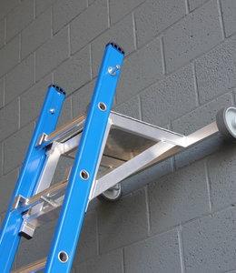 Ladderafhouder alu met schuine hoek en traanplaat