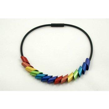 Tjongejonge kleurrijke ketting