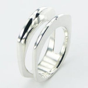Modern design zilveren ring