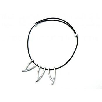 Tjongejonge modern collier