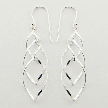 Trendy zilveren oorbellen